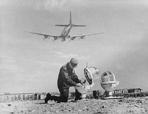 1949「Landing Lights」:写真・画像(6)[壁紙.com]