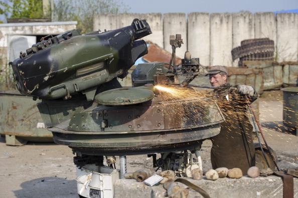 Metal Industry「German Company Dismantles Europe's Excess Military Hardware」:写真・画像(12)[壁紙.com]