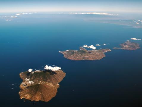Lipari Island「Aeolian Islands, Salina, Lipari and Vulcano」:スマホ壁紙(5)