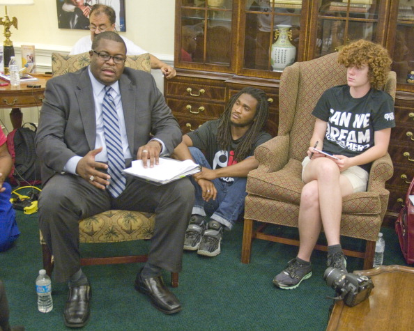 Mickey Adair「Dream Defenders At The Florida Governor's Office」:写真・画像(8)[壁紙.com]