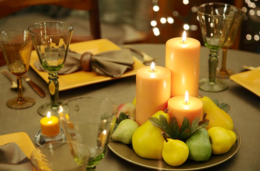 Centerpiece「Eco-Friendly Table Decoration with natural colored candles, plates」:スマホ壁紙(6)