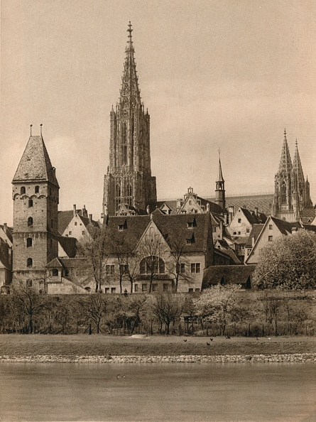 Physical Geography「Ulm. Cathedral - Metzger Tower, 1931」:写真・画像(8)[壁紙.com]