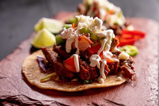 Taco「Beef Carne Asada Mexican Tijuana Style Street Food Tacos with Marinated Steak, Cilantro, Onion, Cotija Cheese and Sour Cream」:スマホ壁紙(4)
