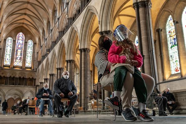Salisbury - England「Covid-19 Vaccinations At Salisbury Cathedral」:写真・画像(6)[壁紙.com]