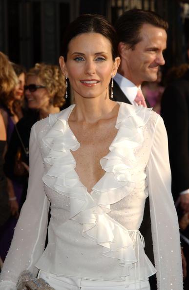Ruffled Shirt「9th Annual Screen Actors Guild Awards」:写真・画像(10)[壁紙.com]
