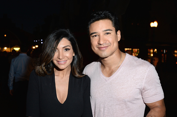 Mario Lopez「Universal Studios Hollywood Hosts The Opening Of 'The Wizarding World Of Harry Potter' - Inside」:写真・画像(5)[壁紙.com]