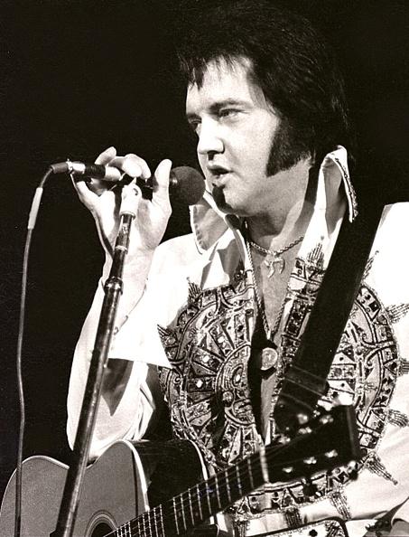 エルヴィス・プレスリー「Elvis Presley」:写真・画像(13)[壁紙.com]