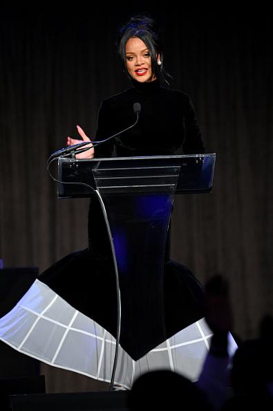 Charity Benefit「Rihanna's 5th Annual Diamond Ball Benefitting The Clara Lionel Foundation - Inside」:写真・画像(17)[壁紙.com]