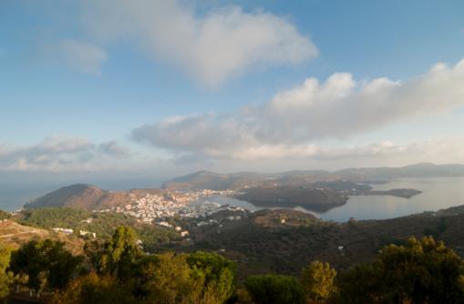 パトモス島「Skala Patmos 島」:スマホ壁紙(1)