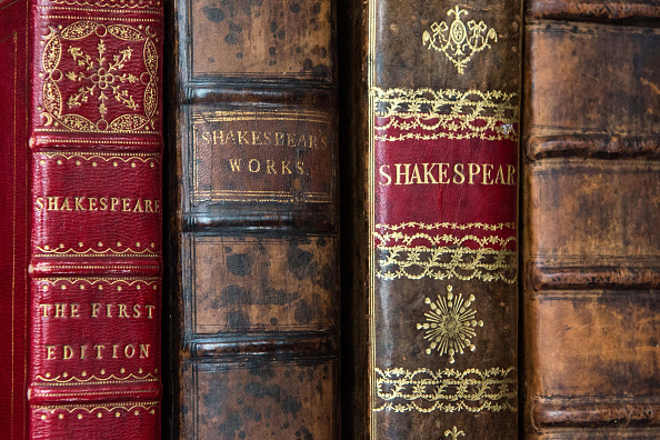 William Shakespeare「First Four Folios OF Shakespeare's Collected Work Up For Auction」:写真・画像(15)[壁紙.com]