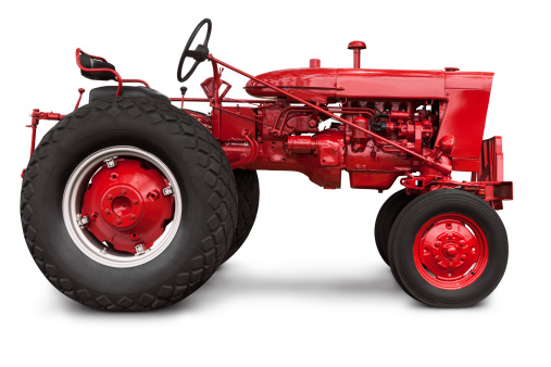 Agricultural Machinery「Vintage Red Farm Tractor in Profile with Clipping Path Isolated」:スマホ壁紙(12)