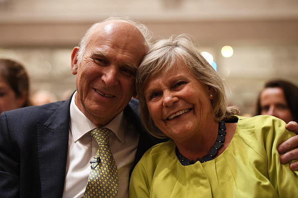 Two People「Vince Cable Is Announced As The New Leader of The Liberal Democrat Party」:写真・画像(9)[壁紙.com]