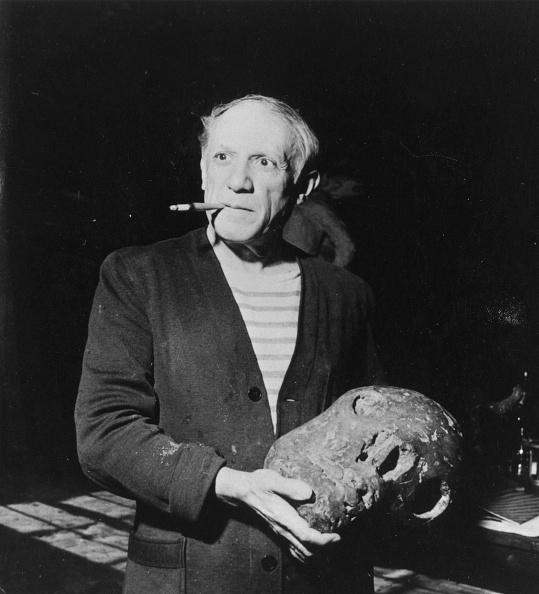 Pablo Picasso「Picasso Smoking」:写真・画像(5)[壁紙.com]