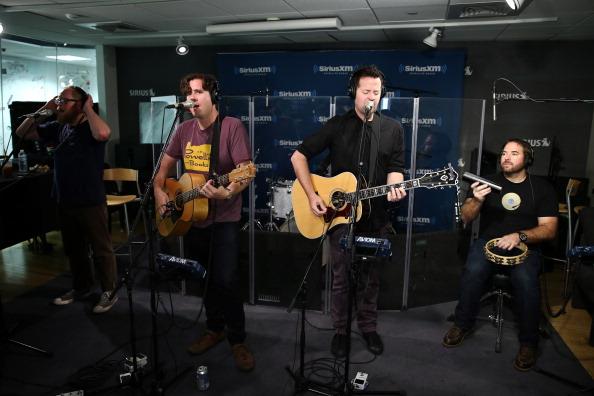 SIRIUS XM Radio「Celebrities Visit SiriusXM Studios - August 8, 2013」:写真・画像(10)[壁紙.com]