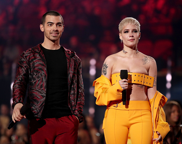 Red Pants「iHeartRadio Music Awards - Show」:写真・画像(13)[壁紙.com]