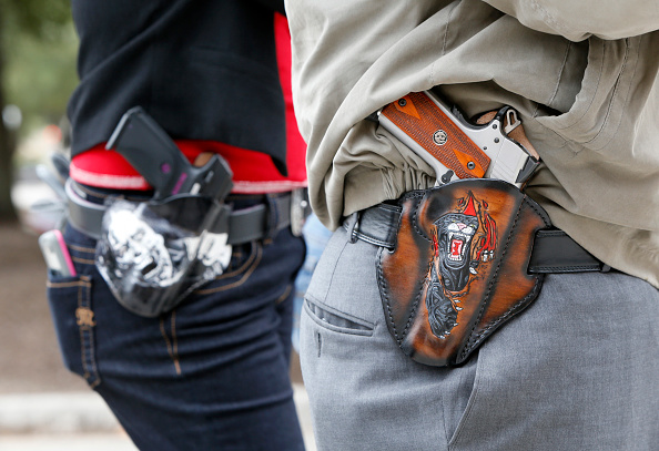 武器「Open carry gun rally in Austin, Texas.」:写真・画像(9)[壁紙.com]