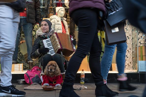 楽器「Christmas Spending Concerns For Retailers As Consumers Feel The Pinch」:写真・画像(9)[壁紙.com]