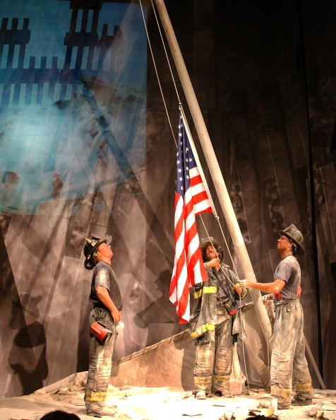 Emergency Services Occupation「Wax Replica of Iconic 9/11 Photo」:写真・画像(8)[壁紙.com]
