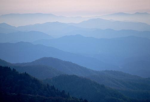1980-1989「Mist Over Blue Ridge Mountains, North Carolina」:スマホ壁紙(4)