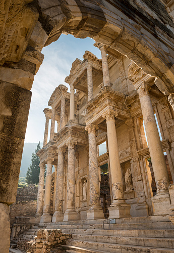 Ancient Civilization「Ruins Of Library Of Celsus Against Clear Sky」:スマホ壁紙(1)