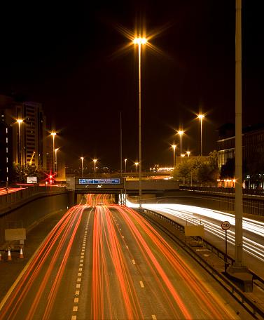 Glasgow - Scotland「Glasgow City Centre at night showing M8 Motorway Traffic.」:スマホ壁紙(15)