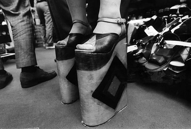 High-High Heels:ニュース(壁紙.com)