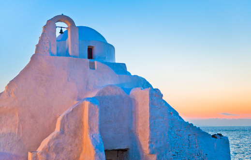Whitewashed「Greece, Cyclades Islands, Mykonos, Chora, Church of Panagia Paraportiani」:スマホ壁紙(19)