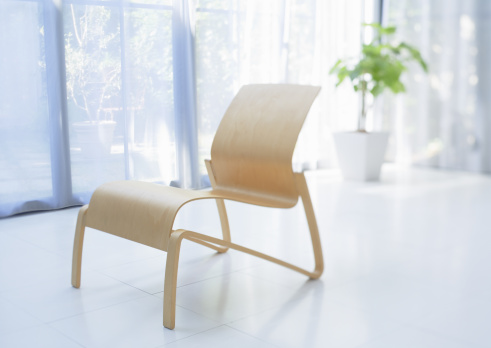 Sunny「Chair」:スマホ壁紙(2)