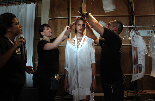 Allison Joyce「Kimberly Ovitz - Backstage - Spring 2013 Mercedes-Benz Fashion Week」:写真・画像(3)[壁紙.com]