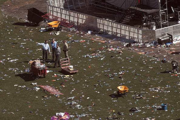 Drew Angerer「Las Vegas Mourns After Largest Mass Shooting In U.S. History」:写真・画像(15)[壁紙.com]