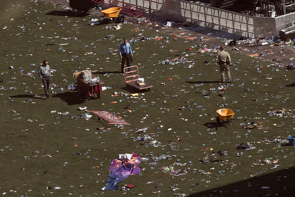 Drew Angerer「Las Vegas Mourns After Largest Mass Shooting In U.S. History」:写真・画像(13)[壁紙.com]