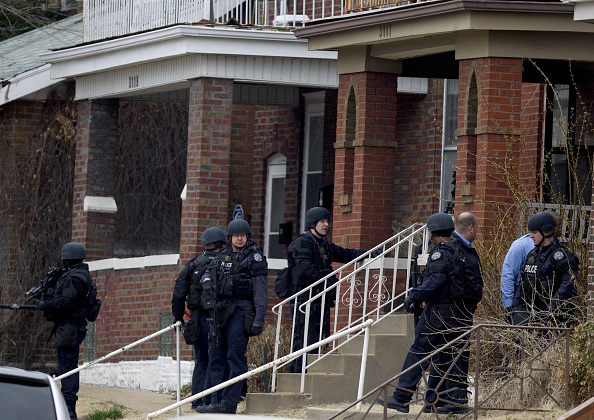 Missouri「Two US Marshals And Police Officer Shot In St. Louis」:写真・画像(3)[壁紙.com]