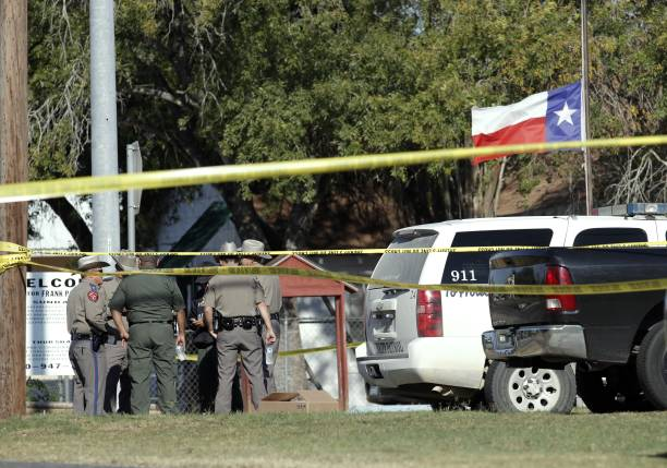 Texas「At Least 20 People Killed 24 Injured After Mass Shooting At Texas Church」:写真・画像(6)[壁紙.com]