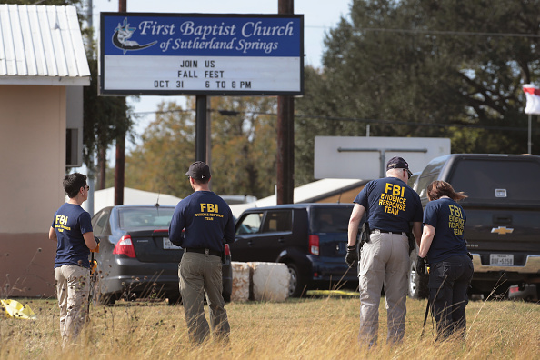 Texas「26 People Killed And 20 Injured After Mass Shooting At Texas Church」:写真・画像(15)[壁紙.com]