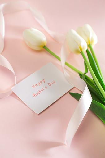 母の日「The tulip」:スマホ壁紙(13)