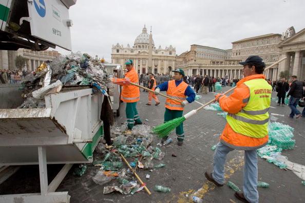 Religious Mass「Funeral Held For Pope John Paul II」:写真・画像(16)[壁紙.com]