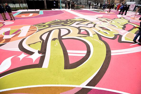 バスケットボール「TBS' The Last O.G. Basketball Court Ribbon-Cutting Ceremony」:写真・画像(14)[壁紙.com]