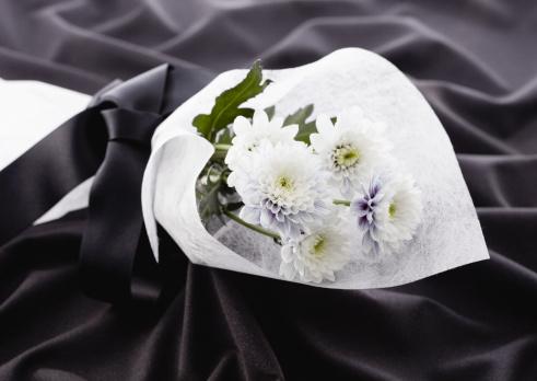 Funeral「Chrysanthemum bouquet (mourning image)」:スマホ壁紙(17)