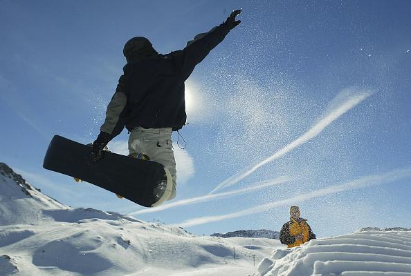 Ski Slope「Ski Season In Full Swing In Val d'Isere」:写真・画像(2)[壁紙.com]