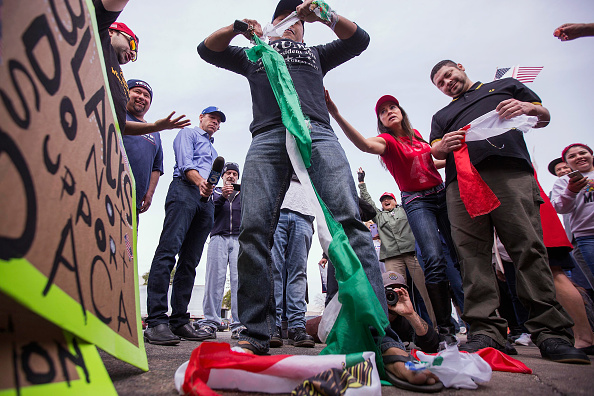 California「Pro-Trump Activists Hold Rally On Border Supporting President And His Immigration Policies」:写真・画像(16)[壁紙.com]