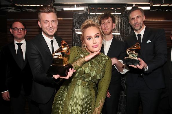 グラミー賞「The 59th GRAMMY Awards - Backstage」:写真・画像(6)[壁紙.com]