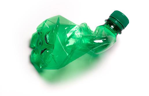 Recycling「Crushed empty green water bottle」:スマホ壁紙(15)