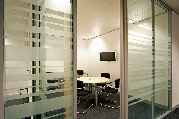 Empty「Office meeting room with Television」:写真・画像(18)[壁紙.com]
