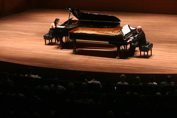 Two People「Piano Duet」:写真・画像(9)[壁紙.com]