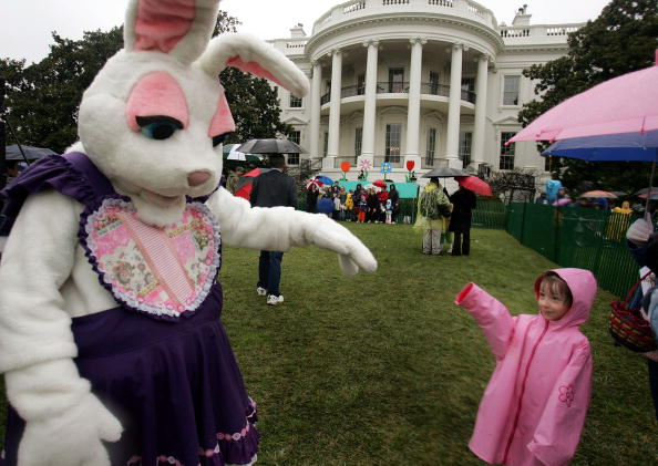 Easter Bunny「Children Participate In The Annual White House Easter Egg Roll」:写真・画像(9)[壁紙.com]