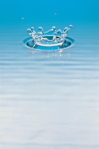 Splashing「Water drop」:スマホ壁紙(5)