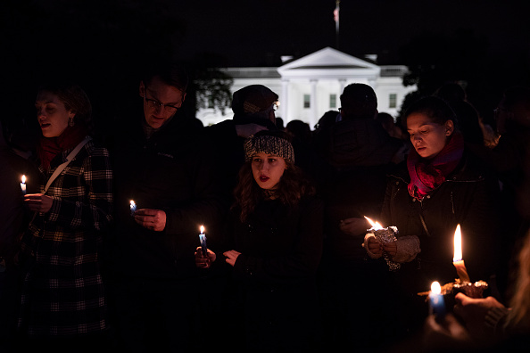 Hate Crime「Vigil Held For Victims Of Pittsburgh Synagogue Shooting At The White House」:写真・画像(10)[壁紙.com]