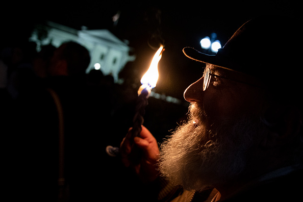 Hate Crime「Vigil Held For Victims Of Pittsburgh Synagogue Shooting At The White House」:写真・画像(18)[壁紙.com]