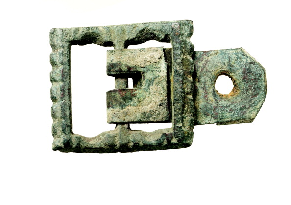 Rectangle「16th-century copper-alloy rectangular buckle which may have been associated with armour or a horse spur; from the 1988–90 excavations at the Rose playhouse, 2–10 Southwark Bridge Road, London」:写真・画像(13)[壁紙.com]