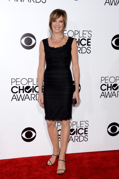 Scalloped - Pattern「The 40th Annual People's Choice Awards - Arrivals」:写真・画像(1)[壁紙.com]